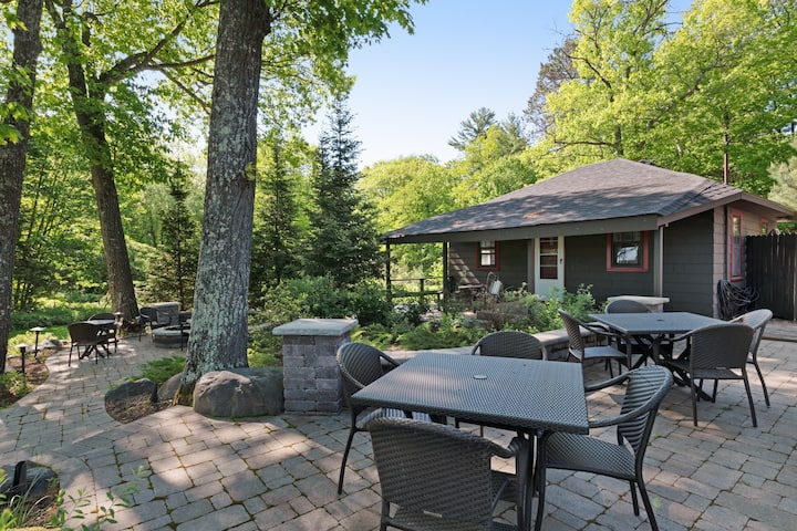 In-town lodge steps from lake, snowmobile trails, fishing, boating, much more!