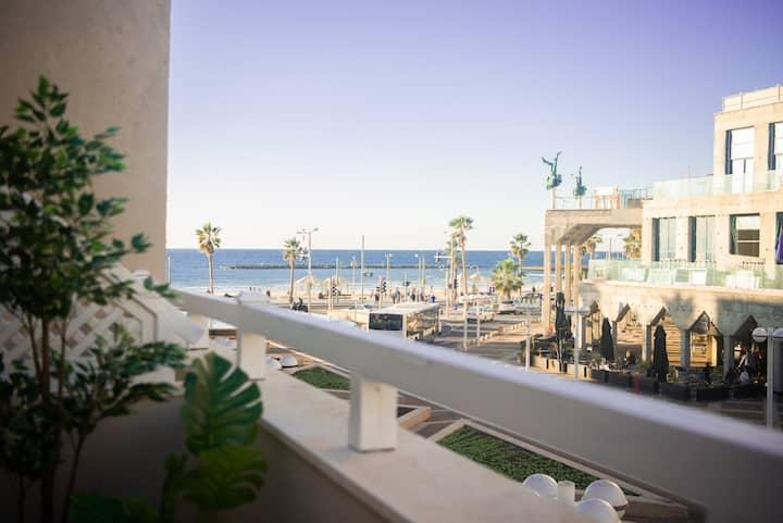YARKON - Beach & Balcony Studio