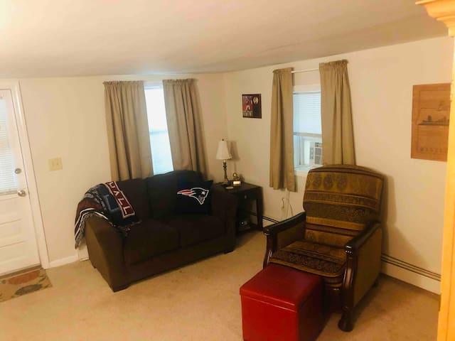 Private One Bedroom Apartment in Foxboro