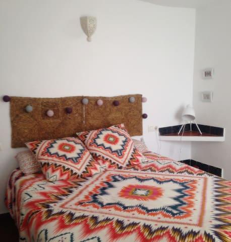 Dormitorio. Cama XL