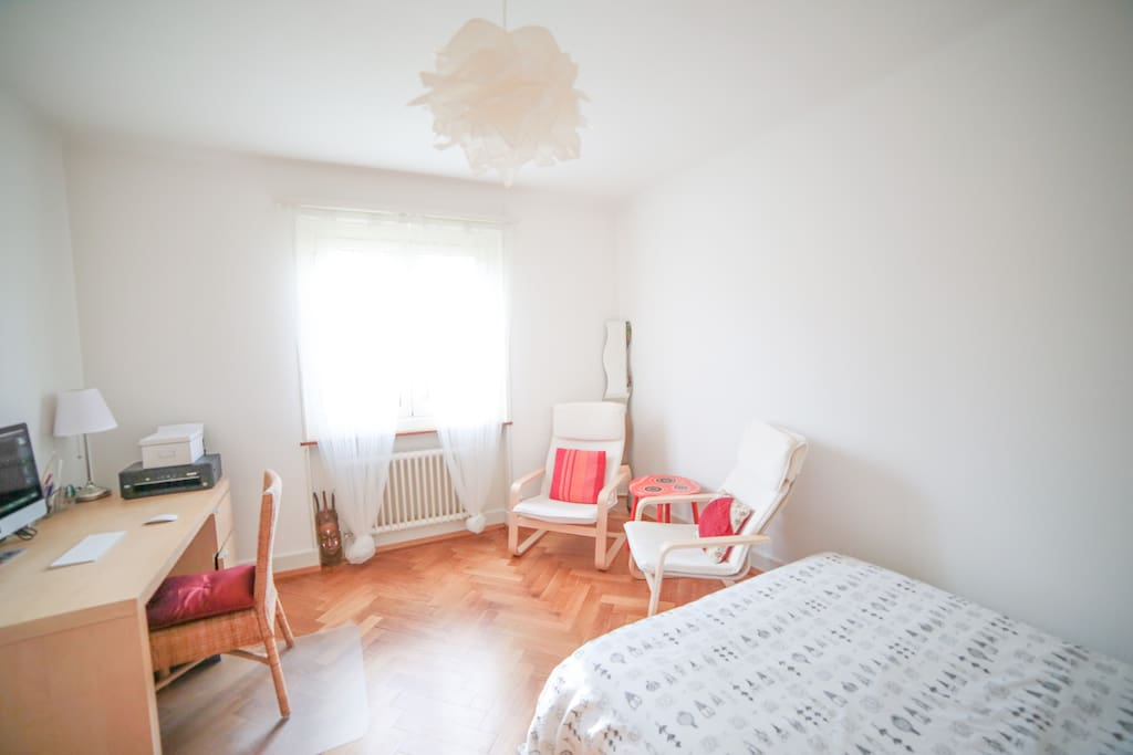 Cosy sunny flat to rent appartements louer renens for Chambre a louer renens