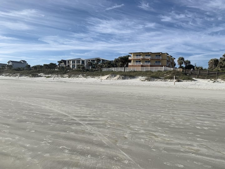 Last Minute Oceanfront Deal! 2 Br!  Pool!  Hot Tub! Amazing View 3A