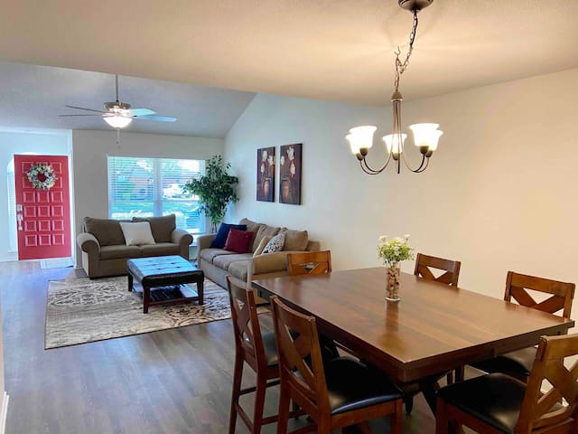 Charming updated 3BR home near DFW with Cable/WiFi