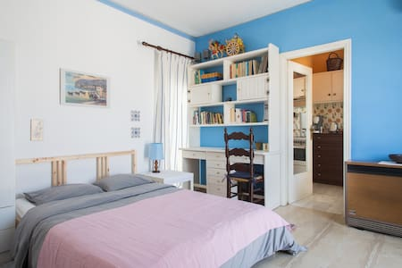 Studio apartment with open view, close to the port - Pireas - 公寓