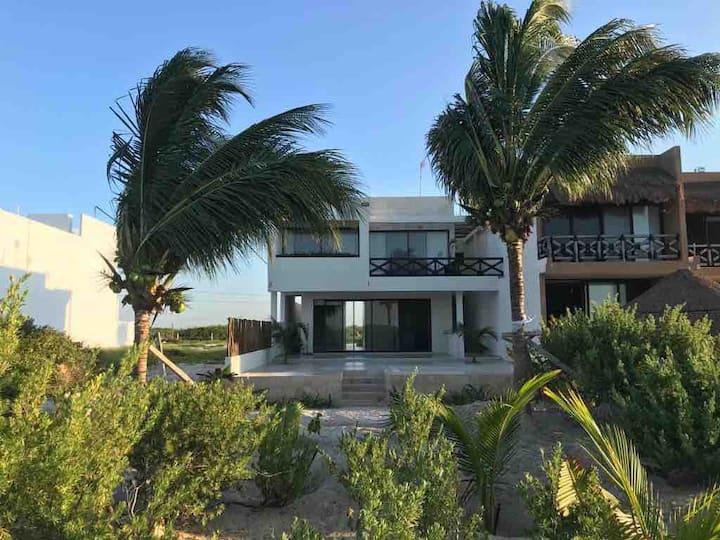Villa Arena (Hermosa casa Nueva frente al mar)