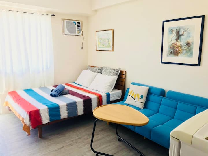 Clean, Bright and Cozy Studio near the Airport
