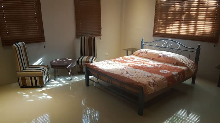 Blissful Bed & Breakfast (Room 5)