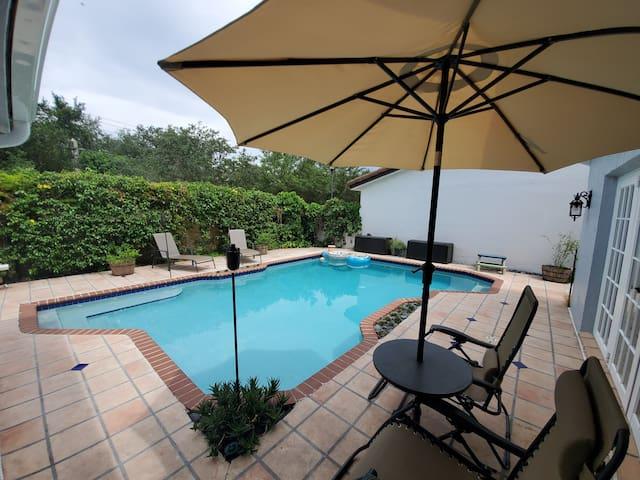 {Miami Studio Suite}•Best Value•Private Patio•Pool