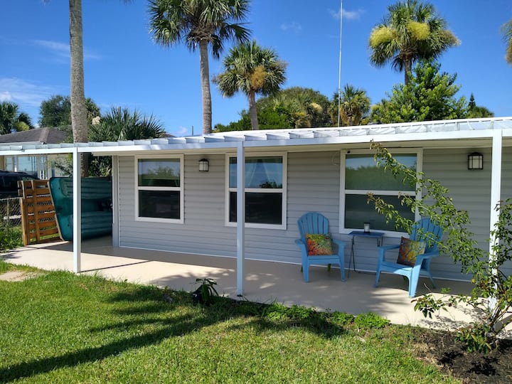 Beautiful Waterfront Home in Port Orange!