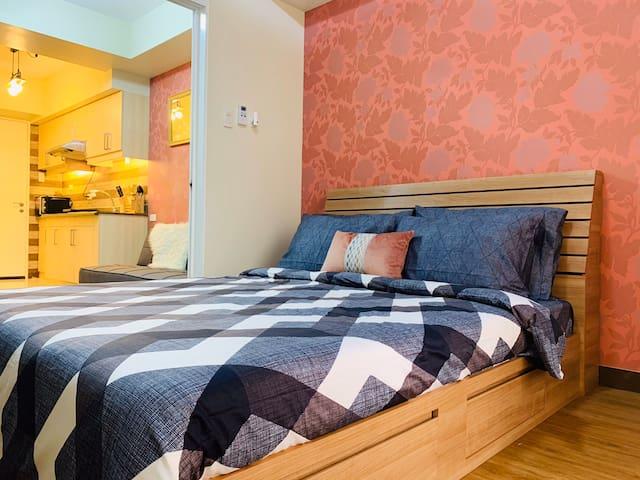 Vintage-Style Cozy Suite w/Balcony+Wifi+Netflix