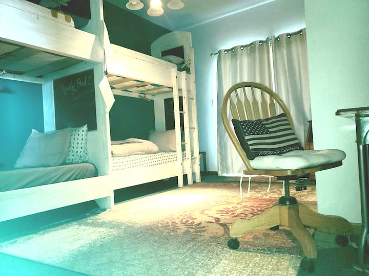 2 mi I-25 Co-Ed Hostel Bunk 2L #HipHouseCheyenne
