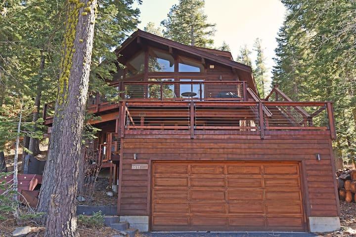 Modern Chalet with Alpine Meadows Views - Alpine Meadows - Casa