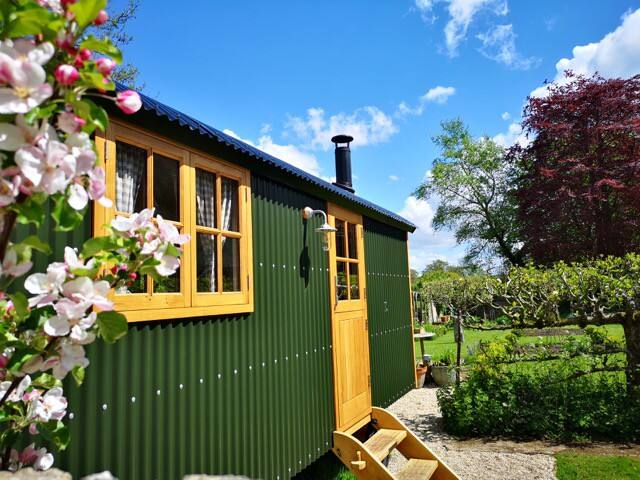 Shepherds Hut at C17th house on Jurassic Coast