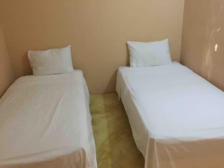 Habitacion doble estandar con baño compartido -3