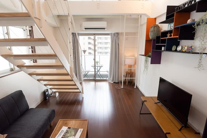 Super Bright & Eclectic 2 Floor Penthouse: Azabu