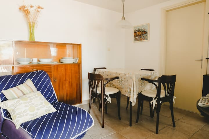 Cozy apartment  in Tisno