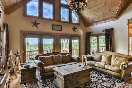 TOTALLY Private 5BR Luxury Lodge w/Stunning Views!