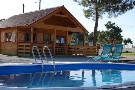 Sunny Farm Cottage w/ Pool
