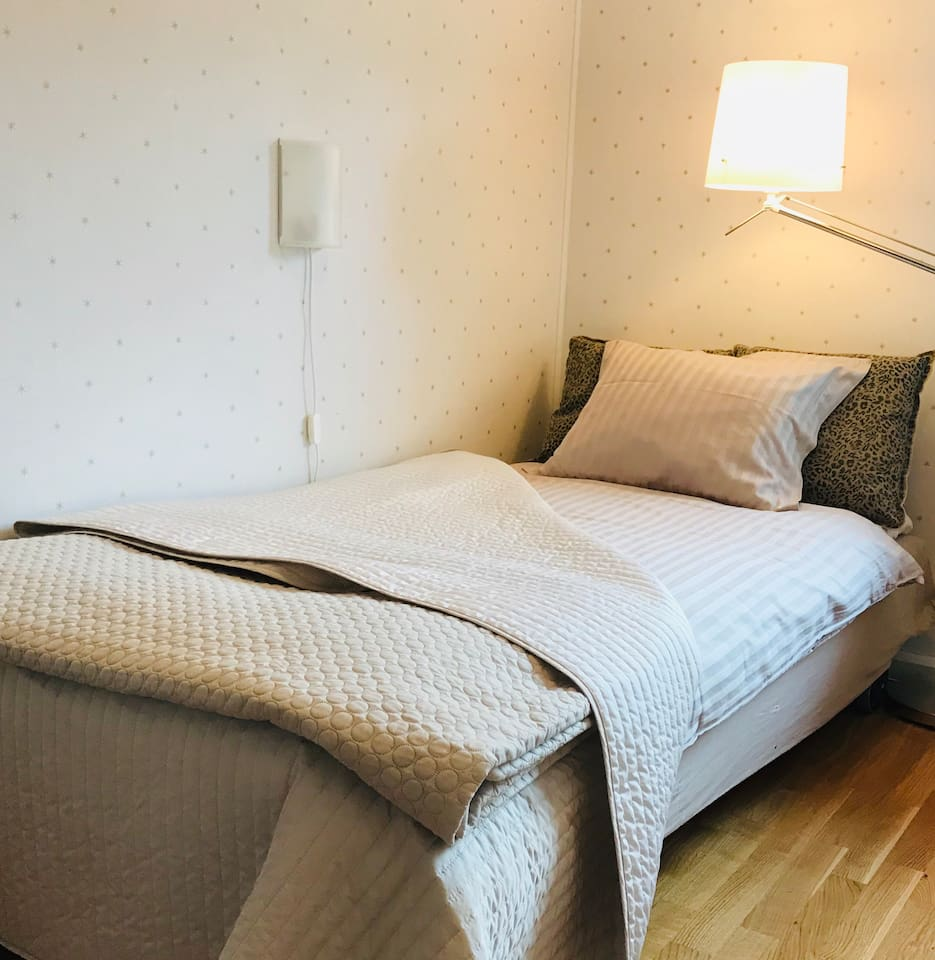 Comfortable bed with high quality linen