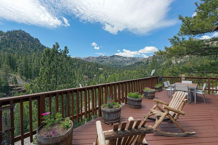 Cabin in Alpine Meadows - Views! - Alpine Meadows - Hus