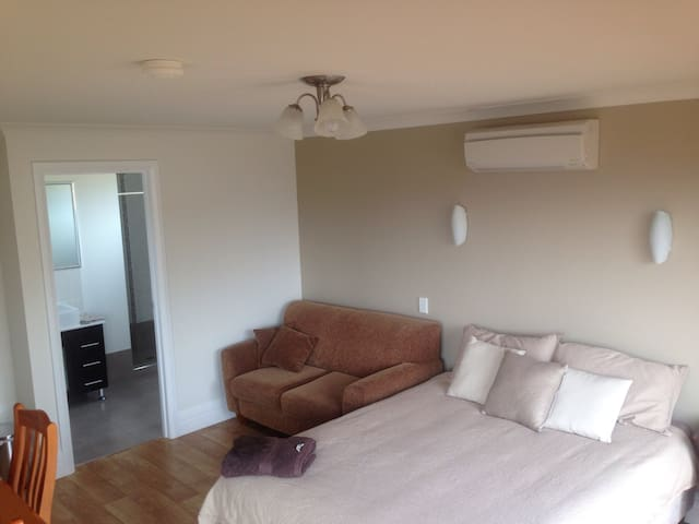 Motel style room with bay view - Esperance - Szoba reggelivel