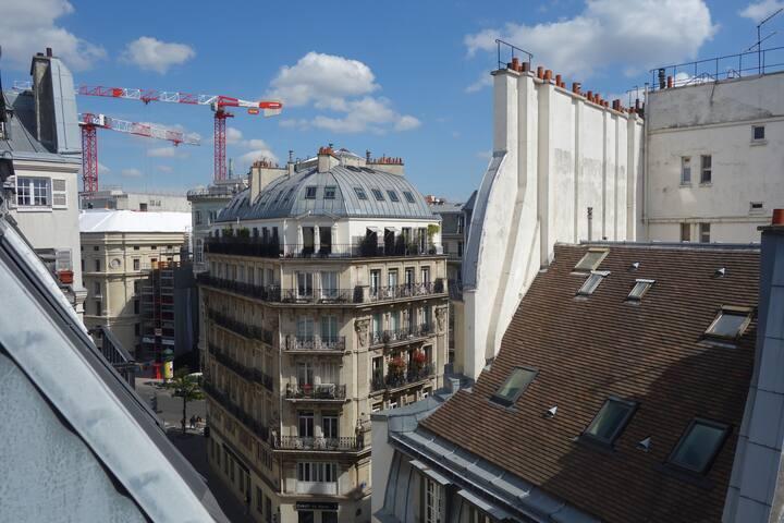 Chambre de bonne - quartier du Louvre