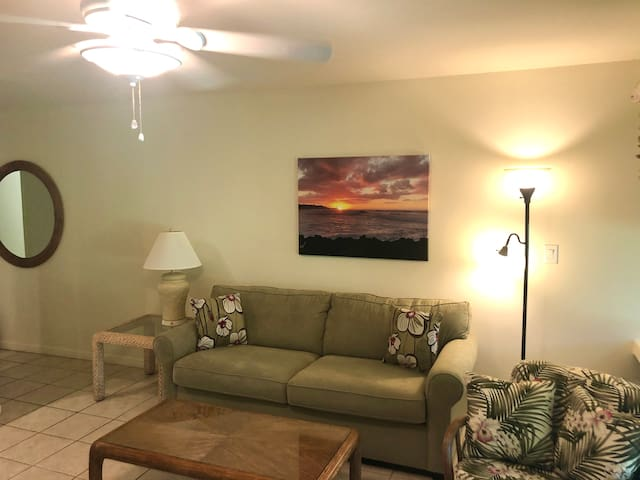 Turtle Bay one bed/two bath condo on 18th green