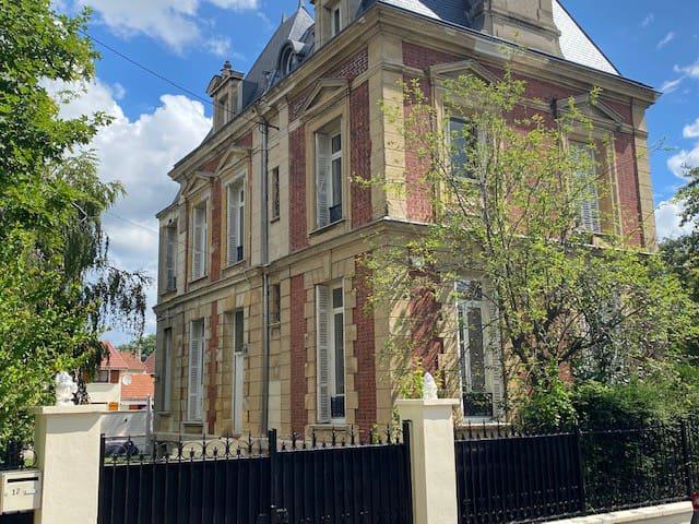 Grande maison familiale à 20mn de Paris St Lazare