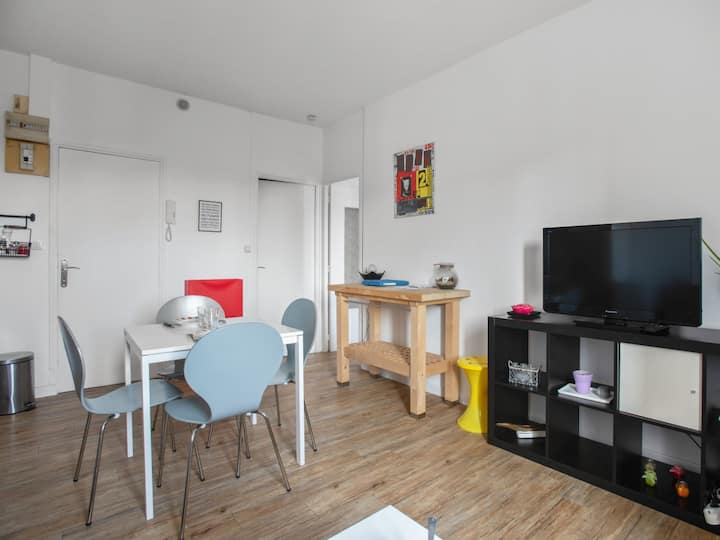 Modern and welcoming 1-bedroom in the heart of Auray – Welkeys