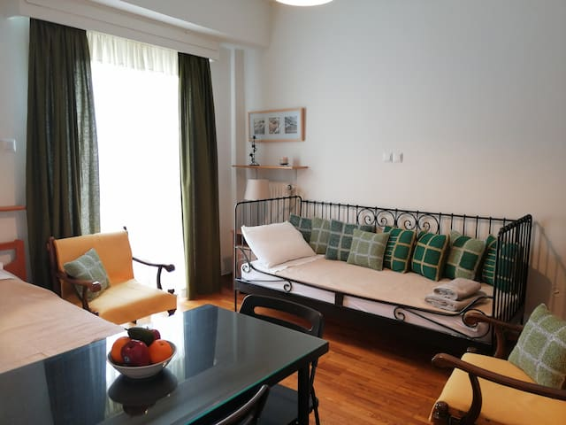 Lovely small apartment in Exarcheia