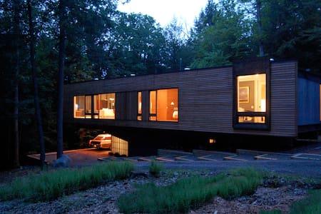 Ultra Modern Glass Box on 10 acres - Kerhonkson - Σπίτι