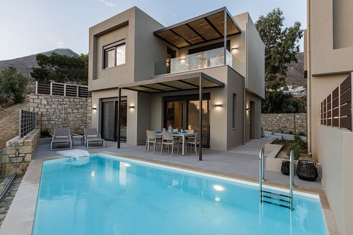 3 bedroom sea view villa with private pool_1