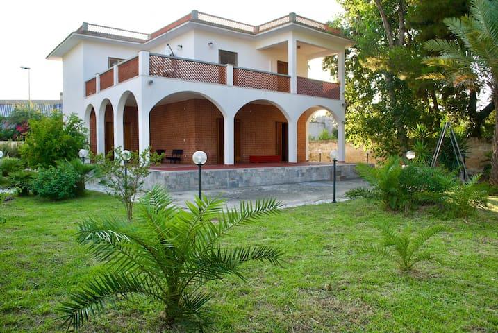 Villa Conchita San Cataldo - Ground floor apt