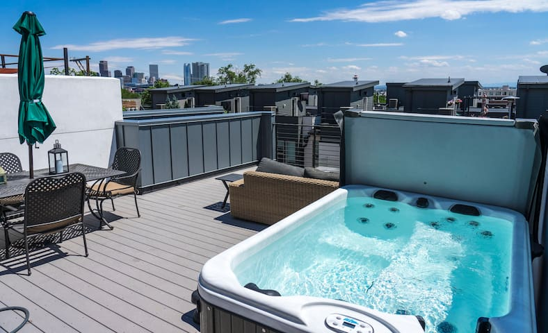 Private Rooftop / Hot Tub / Heart of LoHi!