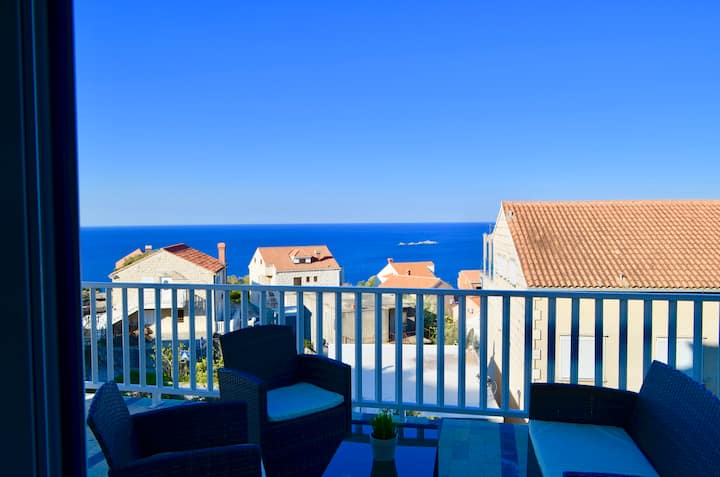 Indigo Two Bedroom Cavtat Apartment, sea view