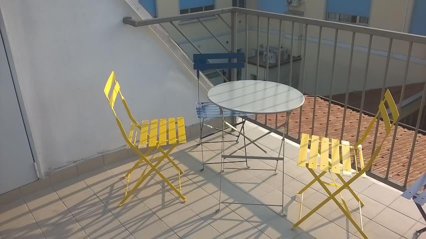 Cozy sunny bedroom, silent location - Milaan - Appartement
