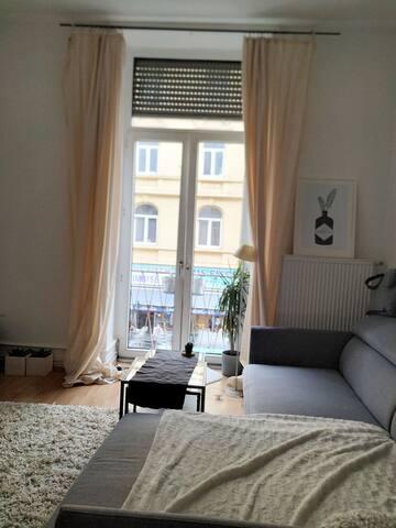 Original Frankfurt Altbau Wohnung sehr zentral