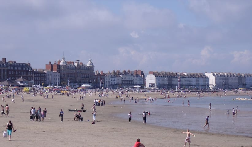 Weymouth Beach. Soft sand and safe swimming