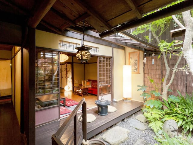 和楽庵【Twin】100 Year old Machiya Guest House close to Heian Shrine in Kyoto (up to 3 people/16㎡) 京都 平安神宮近く。築100年の町家ゲストハウス