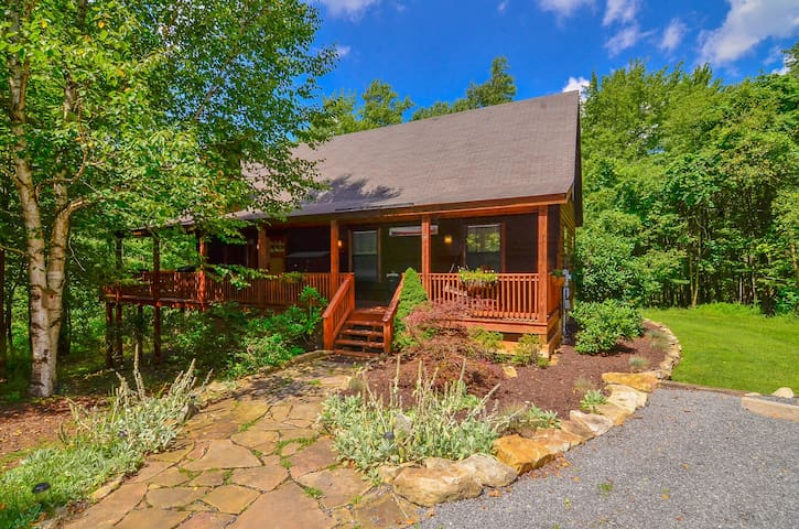 Tranquil cedar chalet w/ hot tub, fire pit, and game tables for indoor fun!