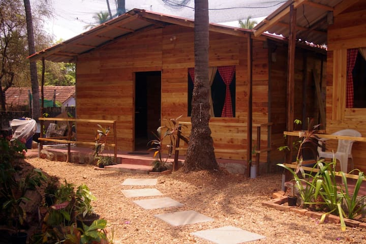 Cozy cabin near Vagator beach