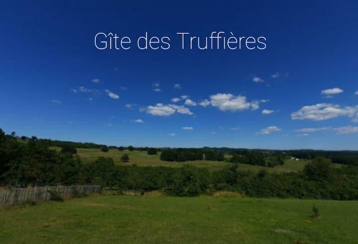 Gîte desTruffières point de vue du  Périgord Vert