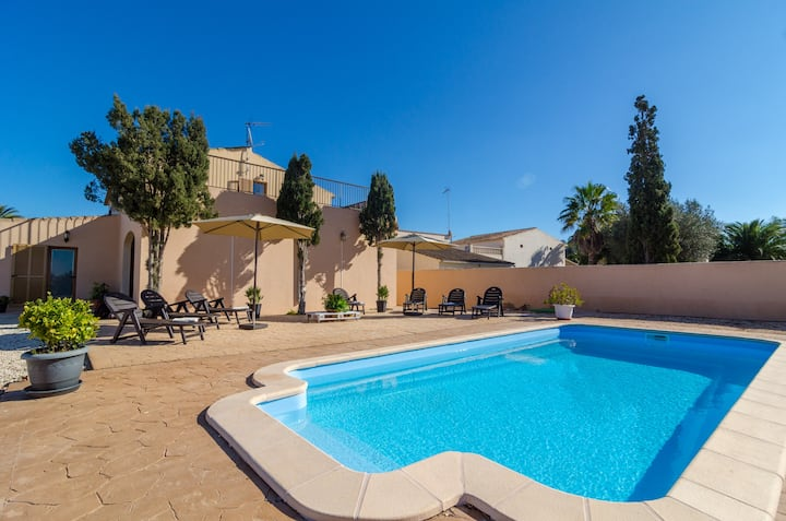 SANT BLAI VELL - Beautiful villa with private pool in a quiet atmosphere. Free WiFi