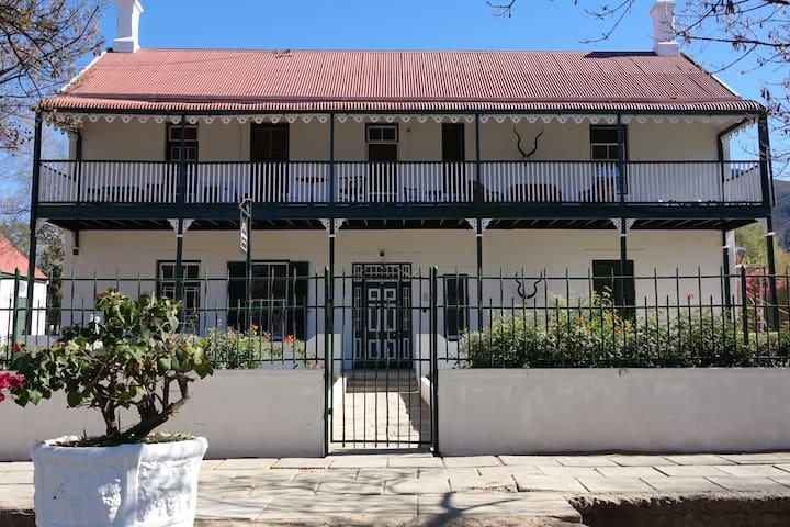 Bourke Street Manor
