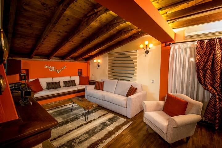 Meteora Belvedere Loft - Central -3 Beds