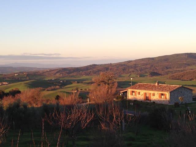 Stone farmhouse in Tuscany - Semproniano - House
