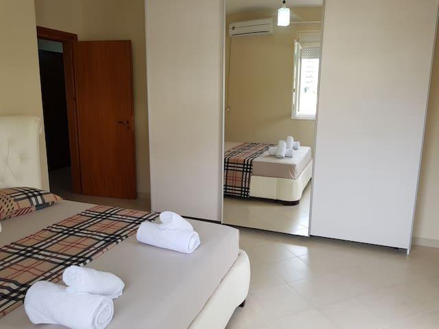 Flori Beach Apartment Vlore
