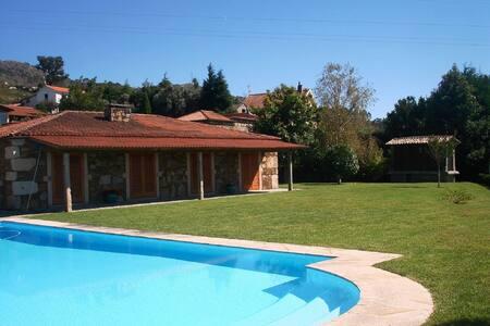 Magnifique villa avec piscine 72m2. - Dem - Nyaraló