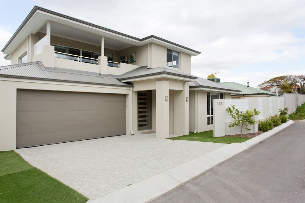 Beautiful two storey home convenient to shops cafes beach bars, still in a quiet area