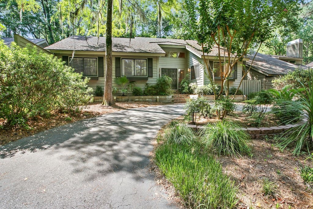 Welcome to 90 Forest Drive - Your vacation home awaits you.